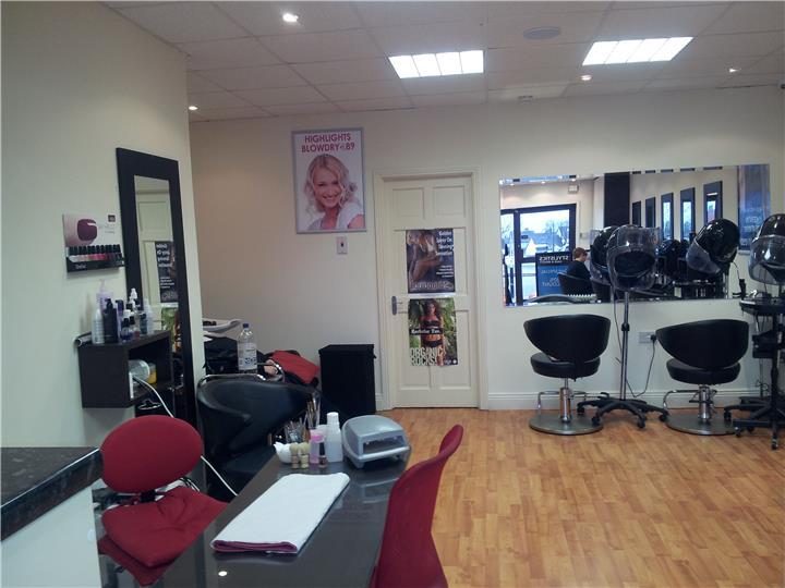 Stylistics hair and beauty salon in loughlinstown county for Hair salon companies